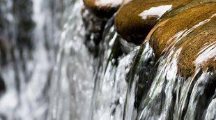 Qué es el agua cruda y por qué no debes tomarla