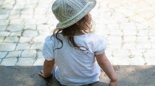 Movimientos anormales de cabeza y ojos en niños pequeños